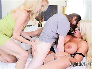 Erica Lauren and Alura Jenson puss penetrating 3