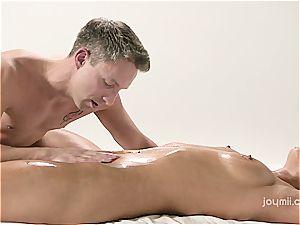 Chrissy Fox gets a sensuous schlong rubdown