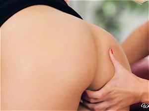 Niki Lee youthfull an Darcie Dolce lesbian couch session