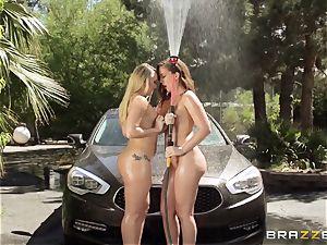 AJ Applegate and Maddy OReilly carwash antics