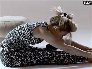 handsome butt gymnast Rita