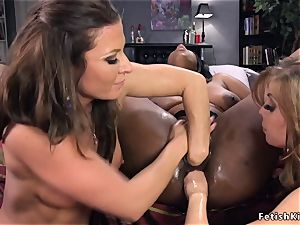 black girl/girl 3some double penetration fisted