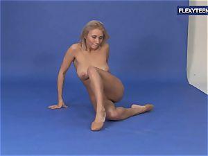 epic bare gymnastics by Vetrodueva