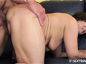 aged hotty Margo blows hard-on with experience