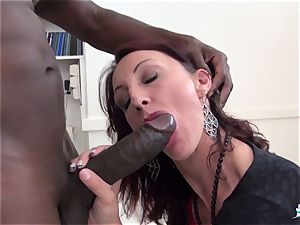 La Cochonne - super-steamy bi-racial caboose plumb with French stunner