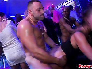 euro first-timer pussyfucked by black chisel