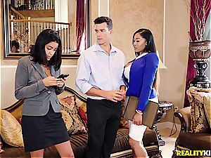 big-chested ebony agent gets an on-the-spot porn casting