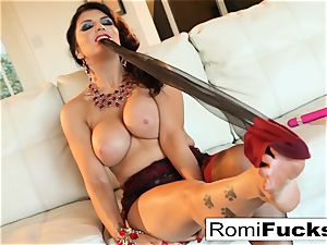 Smoking sweetheart Romi Rain takes care of her wet cooch
