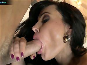 Pretty dame Lisa Ann craving for a man's cream