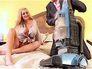 ash-blonde housewife Summer screws gorgeous salesman Lily