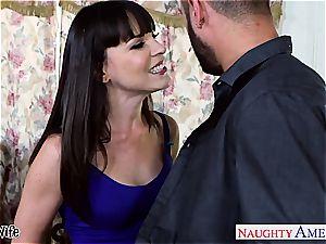 beauty Dana DeArmond welcomes his bulge inside