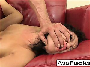 Asa luvs to have herself some hard-core joy