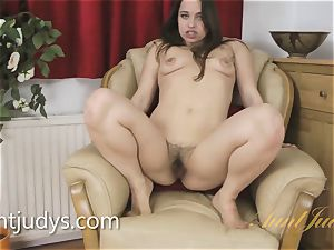 Mature Patrizia Berger teases You With Her pussy