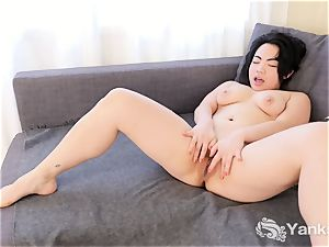 convulses japanese expect Gold's delectable body