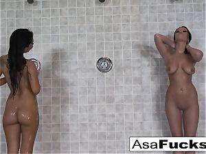 Asa has some girly-girl fun with Devi