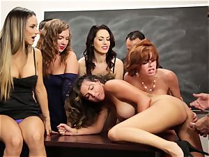 Veronica Avluv showcases steaming ladies how to bust