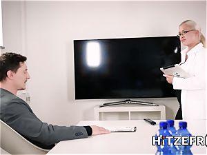 HITZEFREI crazy three-way with 2 German blondes