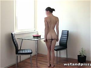 Meet this super-sexy pissing mega-slut Xenia