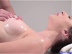 super-steamy rubdown turns to voluptuous fuck-fest and this brown-haired goddess loves it