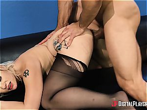 Johnny Castle uses his thickest asset to the fullest
