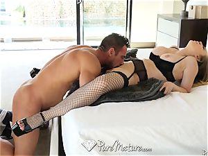 beautiful housewife sexual duties