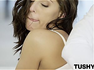 Gracie Glam takes ass-fuck from elderly stud