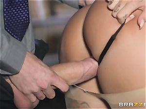 super-steamy arse Susy Gala juggling on top