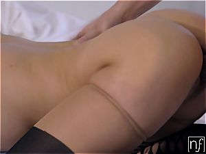 Morning hookup with a duo of cock-hungry stunners