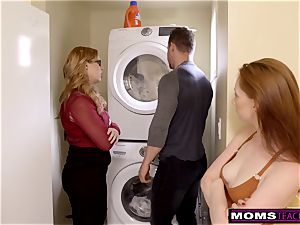 mother Helps daughter instruct Step step-brother A Lesson S9:E9