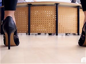 donks BUERO - super-hot German assistant nails her chief