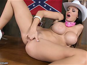 steaming Aletta Ocean frigs her dripping cooter