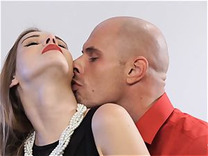 PINUP fuckfest - magnificent Czech stunner Alexis Crystal in red-hot plow