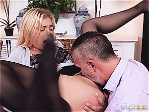 Accountant breezy Giselle gets porked by a long firm beef whistle