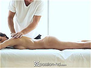 splendid Latina Chloe Amour ejaculates stiff after massage