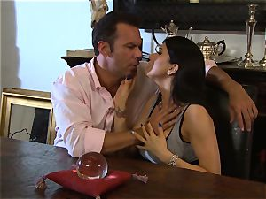 Romi Rain is thanked with a massive wood humping