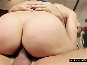 LASUBLIMEXXX juicy Cat takes gigantic chisel for first-ever time