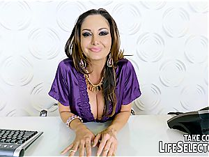 point of view hook-up with super-steamy mummy