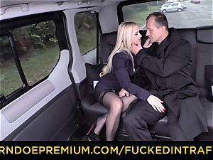 ravaged IN TRAFFIC - splendid platinum-blonde penetrated in backseat
