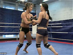 babe devil and Melanie Memphis do fight in the ring