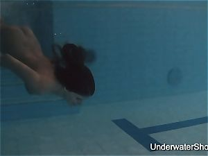 softcore underwater show of Natalia