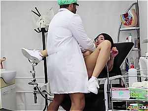 super-naughty patient gets pulverized by the gynecologist