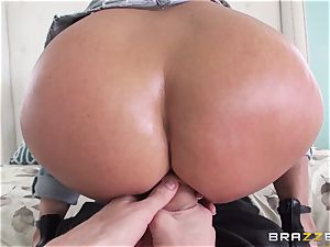 Rear end hump for molten brown-haired Holly Halston