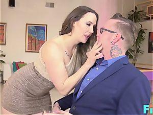 super-steamy Online fuck-a-thon With cougar Chanel Preston