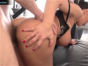 Lisa Ann hardcore pulverize with her manager