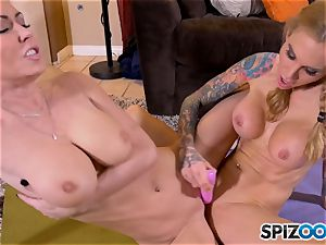 munching minge eaters Jessica Jaymes and Sarah Jessie
