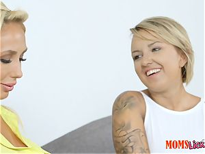 steamy cougar and nubile Olivia Fox and Ariel Lee tribbing tribute
