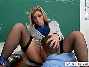 mummy tutor Sara Jay nail college girl