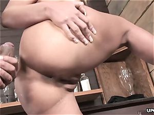 Phoenix doing it all to satiate her dude with her puss