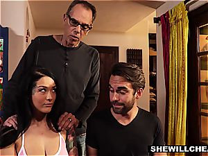 provocative housewife finds a way to produce her vulva with deep dicking