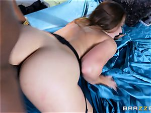 Dani Daniels takes this hefty black hard-on with ease